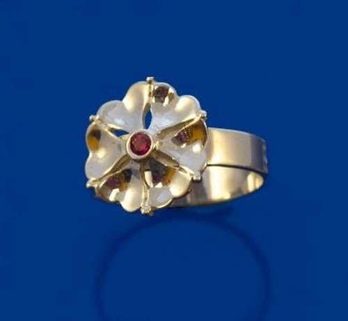 Silver Rose 'O' Montrose Ring